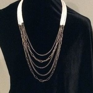 Jewelry - Pearl and brass necklace